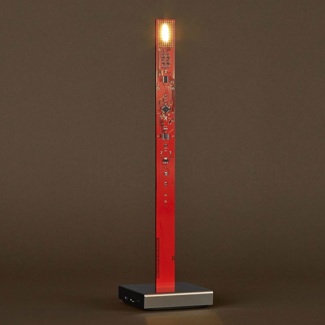 Lampe de table à batterie rechargeable Ingo Maurer My New Flame LED 0.6W H 40 cm Dimmable rouge